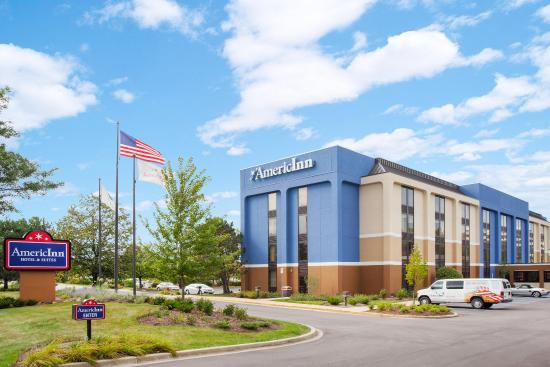Photo of AmericInn Hotel & Suites Schaumburg