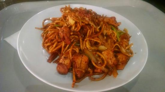Sorabol Korean BBQ & Asian Noddles: BBQ chicken noodle stir fry noodles