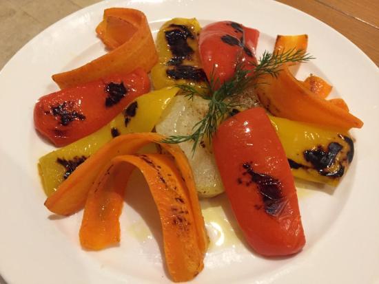 Cassago Brianza, Włochy: Assiette de légume grillés demandé par mon epouse