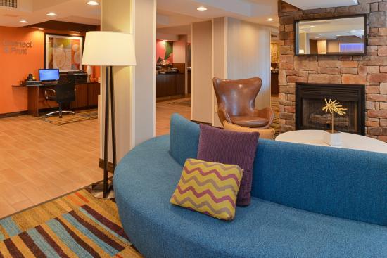 Fairfield Inn And Suites By Marriott Lexington Georgetown College Inn