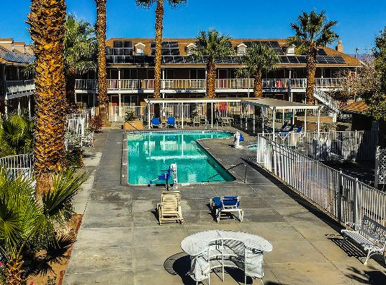 Ridgecrest, Kalifornien: Outdoor pool area