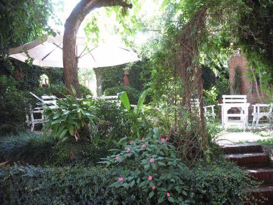 Hotel Vajra : de tuin