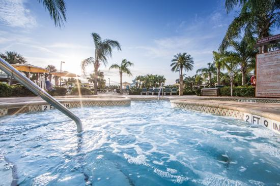 Holiday Inn Club Vacations Cape Canaveral Beach Resort: Enjoy hours of fun in the outdoor pool