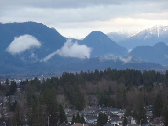 Surrey, Canada: view of mountains from our room (at dawn)