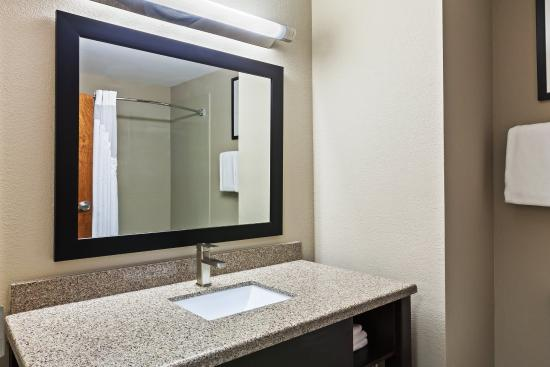 Glenpool, Oklahoma: Guest Bathroom