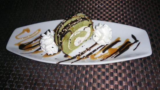 Soho Sushi Lounge: green tea cake