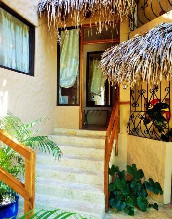Hotel Costa Coral: Quaint walkways