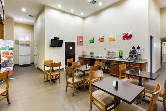 Jersey Village, TX: Breakfast Seating
