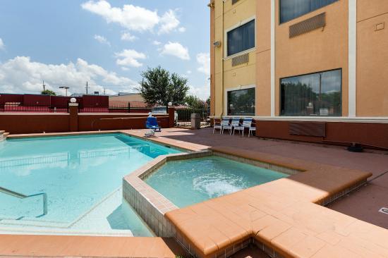Jersey Village, TX: Pool