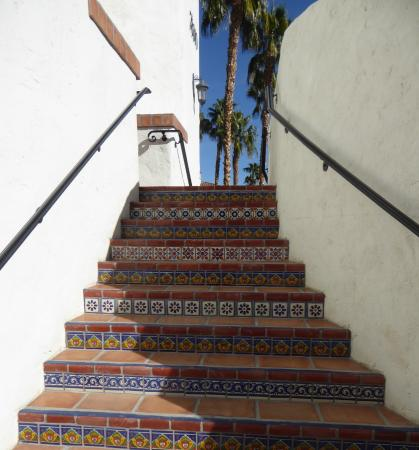 Old Town La Quinta: Lovely tile stairs