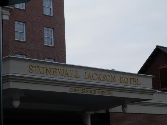 Staunton, Вирджиния: Stonewall Jackson Facade