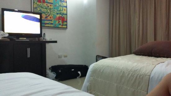 Hotel Bambu Suites: TA_IMG_20151218_212132_large.jpg