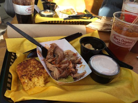 Moe's Original BBQ: photo0.jpg