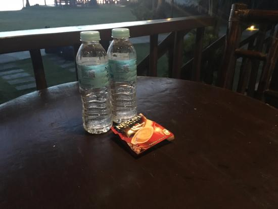 Asuncion, Filipinas: Bottled water and coffee everyday on your porch