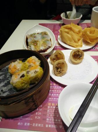 One Dim Sum Chinese Restaurant: Yummy .... Big dumpling ... worth to ...