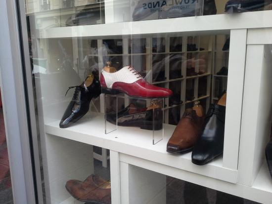 Hotel Meslay Republique : rue Meslay is full of shoe shops :-)