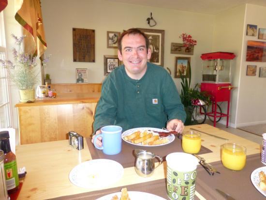Bullberry Inn B&B: Big, big, yummy breakfast...