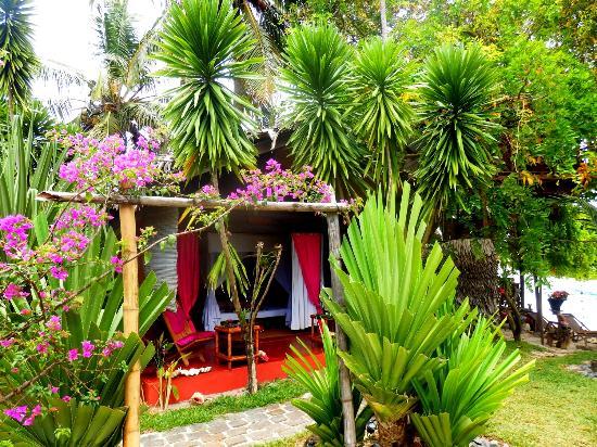 Hotel Eco-Lodge Ravoraha : bungalow double voyage de noce