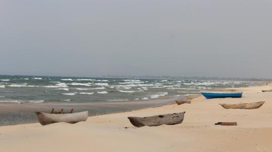 Chinteche, Malawi: Stroll along the beach