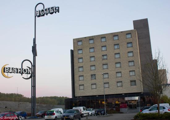 Hotel Entrance Picture Of Bastion Hotel Almere Almere Tripadvisor