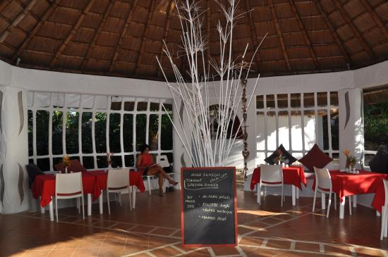 AL FARO Cosmio Hotel Palawan: Einblick
