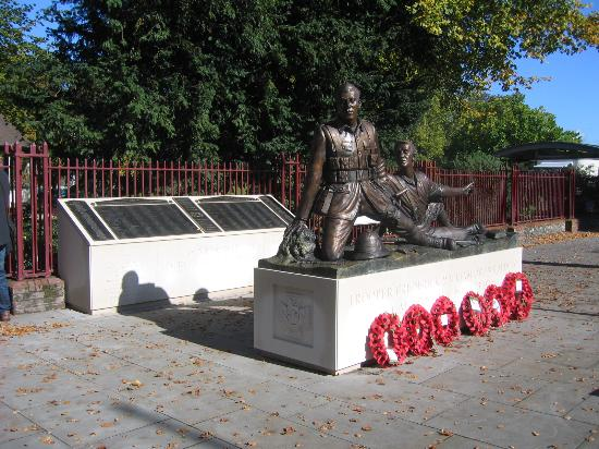 ‪The Berkshire Yeomanry and Trooper Potts Memorial‬