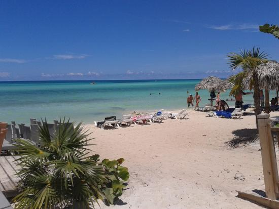 Plage a droite cot resort picture of melia jardines for Jardines del rey