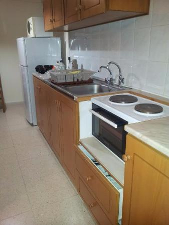 Rododafni Beach Holiday Apartments & Villas: Cooking / Kitchen Area