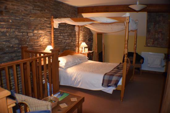"""Felindre, UK: The """"Fourposter"""" room, aptly named!"""