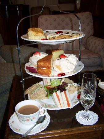 Lindeth Fell Country House: Afternoon Tea