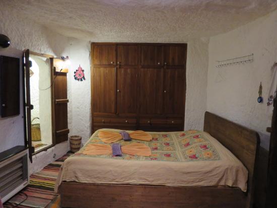 Fairy Chimney Inn: bedroom