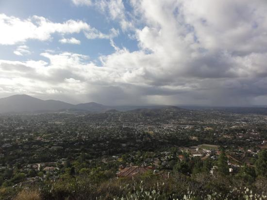 Mount Helix Park: storm clouds approaching