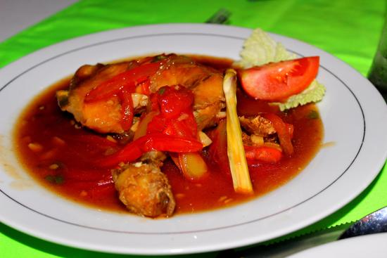Amed Beach Resort: Kare Ayam