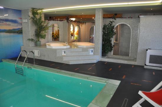 Liberty Hotel Malé: Le vasco idromassaggio nella nostra SPa
