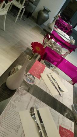 Bellegarde, Frankrijk: salle du restaurant