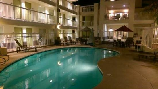 Red Lion Inn & Suites Tempe: Pool