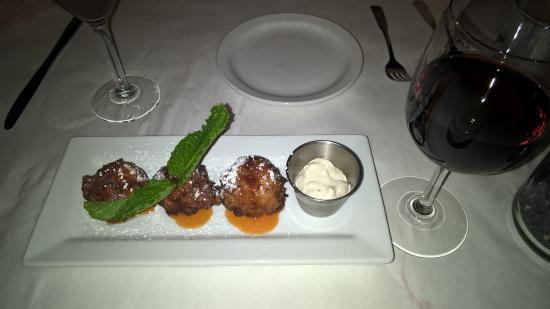 Spanish River Grill: Jelly donut conch fritters