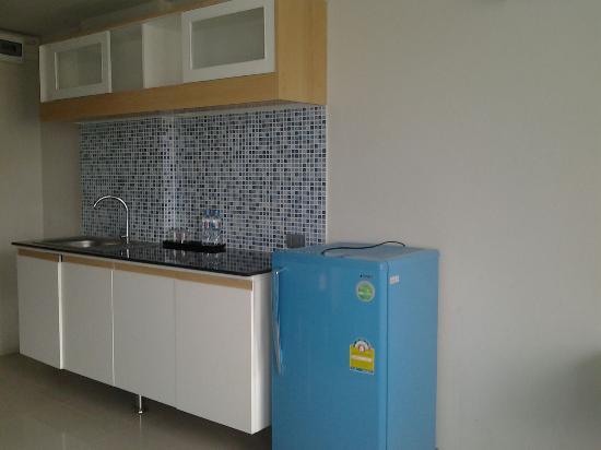 R-Con Blue Ocean: kitchen
