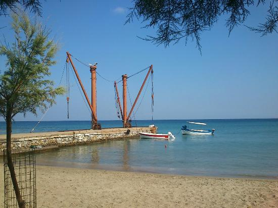 Moutsouna Beach