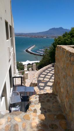 Gordon's Bay, Güney Afrika: Weg zum Pool