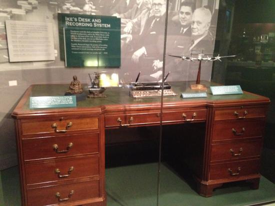 Abilene, KS: Museum - Eisenhower Desk