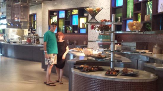 The Cove Atlantis Mosaic Buffet At