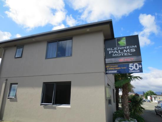 Blenheim Palms Motel: Easily accessible location