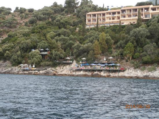 Nautilus Hotel : вид с моря