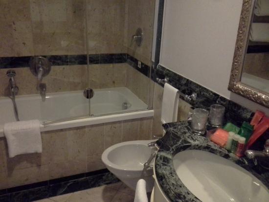 Vasca Da Bagno Firenze : Caratteristiche vasca da bagno a firenze