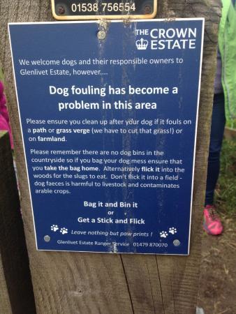 Ballindalloch, UK: Walking the grounds
