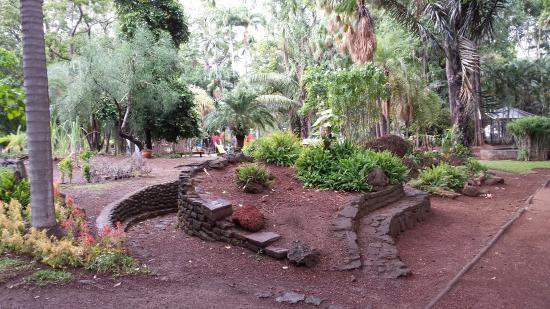 Foto de jardin de l 39 etat saint denis 20140621 125813 for 9 jardin fatima bedar saint denis