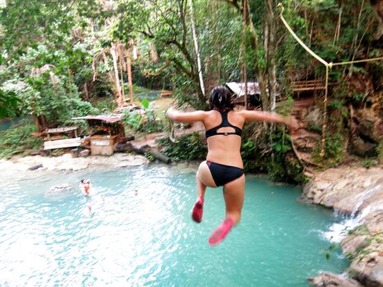 Liberty Tours Jamaica - Day Tours: Jumping off cliffs into the blue hole