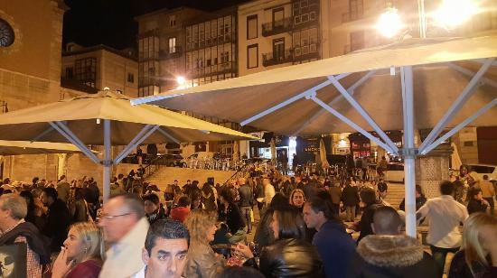 Plaza Pombo: TA_IMG_20151219_203541_large.jpg