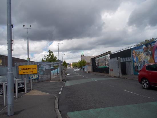 Murales foto de belfast mural tours belfast tripadvisor for Belfast mural tours